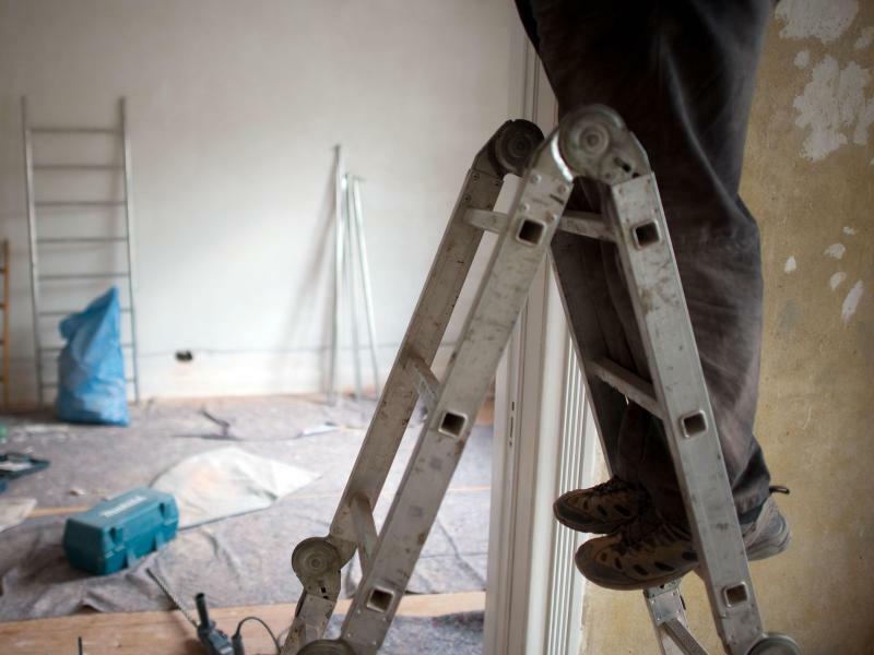 Wohnungsrenovierung - Foto: Axel Heimken/dpa