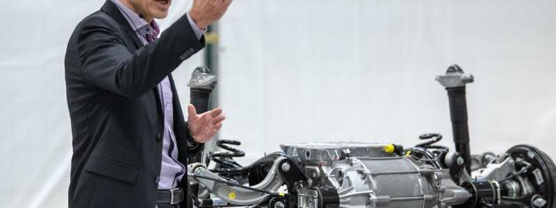 VW - Eröffnung der Produktionsanlage für Batteriesysteme - Foto: Sina Schuldt/dpa