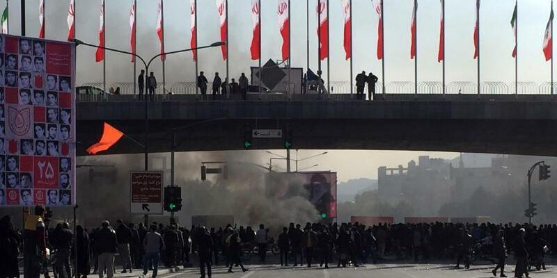 Protest gegen Benzinrationierung - Foto: AP/dpa