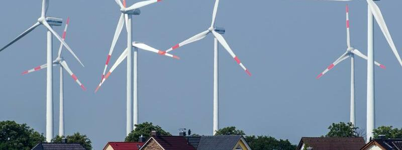 Windräder - Foto: Patrick Pleul/dpa-Zentralbild/dpa