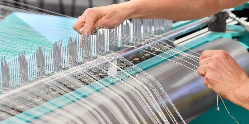 Industrieproduktion - Foto: Martin Schutt/zb/dpa