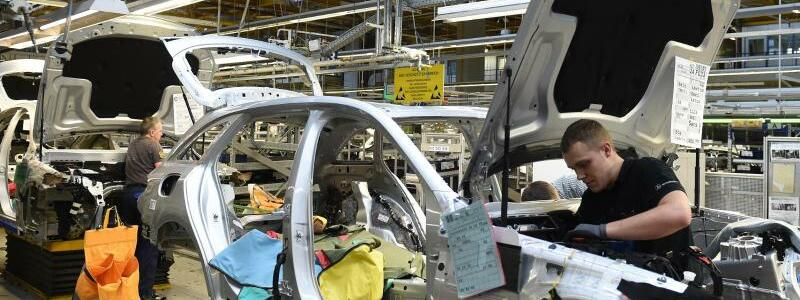 Daimler - Produktion - Foto: Carmen Jaspersen/dpa