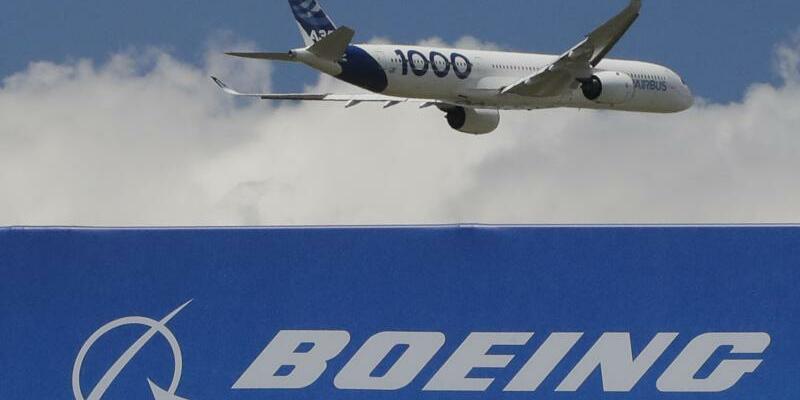Streit zwischen Airbus und Boeing - Foto: Michel Euler/AP/dpa