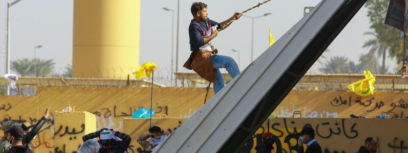 Anhänger der schiitischen Miliz - Foto: Ameer Al Mohmmedaw/dpa