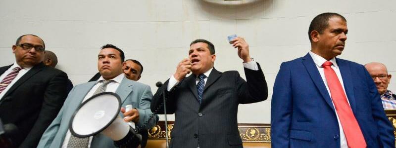 Maduro-Anhänger - Foto: Matias Delacroix/AP/dpa