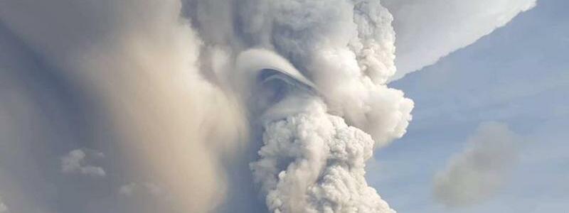 Vulkanausbruch auf den Philippinen - Foto: Basilio Sepe/AP/dpa