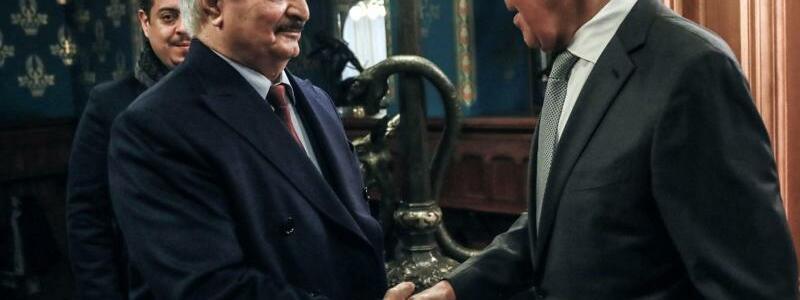 Haftar und Lawrow in Moskau - Foto: Russian Foreign Ministry /dpa