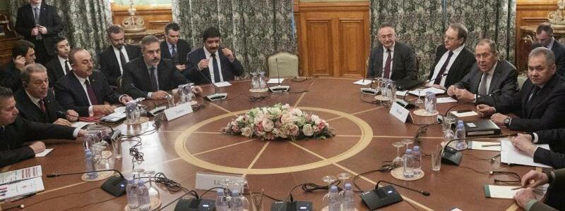 Libyen-Gespräche in Moskau - Foto: Pavel Golovkin/AP /dpa