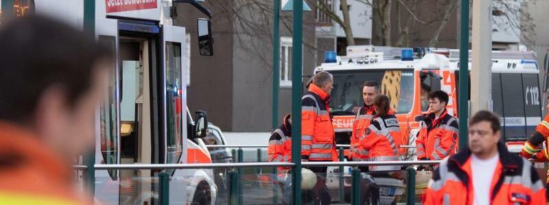 Unfall mit Straßenbahn - Foto: Julian Stratenschulte/dpa