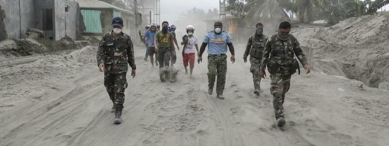 Vulkanasche - Foto: Aaron Favila/AP/dpa