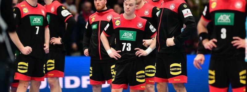 Deutsche Handballer vor dem Aus - Foto: Robert Michael/dpa-Zentralbild/dpa