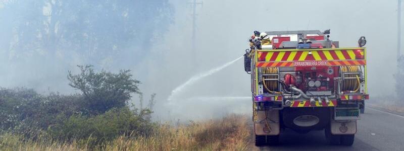 Feuerwehrfahrzeug - Foto: Mick Tsikas/AAP/dpa
