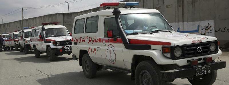 Erste Hilfe - Foto: Rahmat Gul/AP/dpa