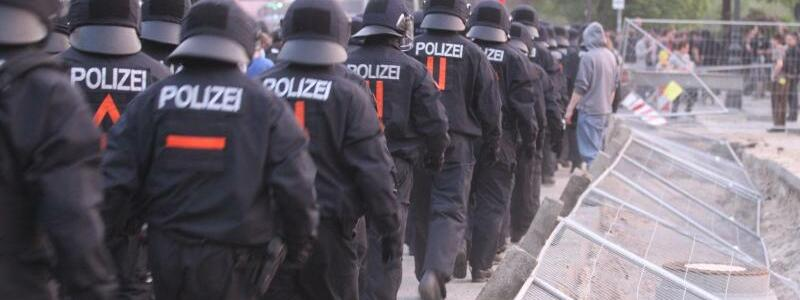 Polizeieinsatz in Berlin - Foto: picture alliance / dpa