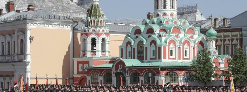 Parade in Moskau - Foto: Pavel Golovkin/Pool AP/dpa