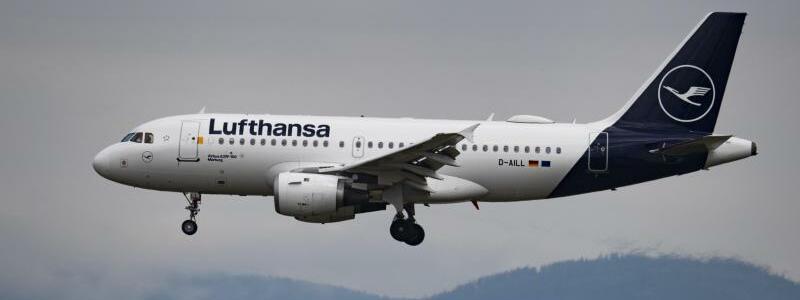 Lufthansa - Foto: Boris Roessler/dpa