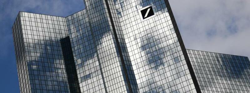 Deutsche Bank - Foto: Arne Dedert/dpa