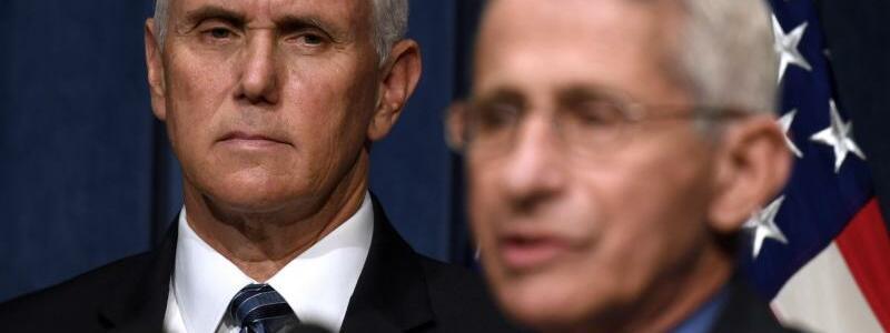Pence und Fauci - Foto: Susan Walsh/AP/dpa