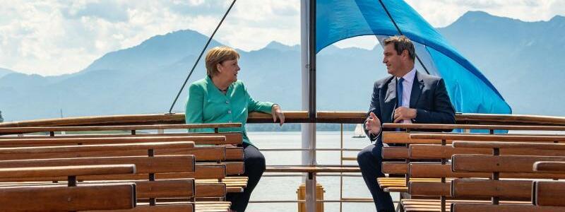 Merkel und Söder - Foto: Peter Kneffel/dpa/Pool/dpa