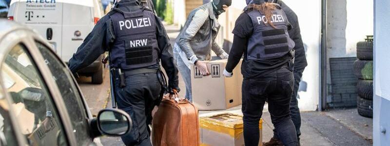Razzia gegen Clankriminalität - Foto: Marcel Kusch/dpa