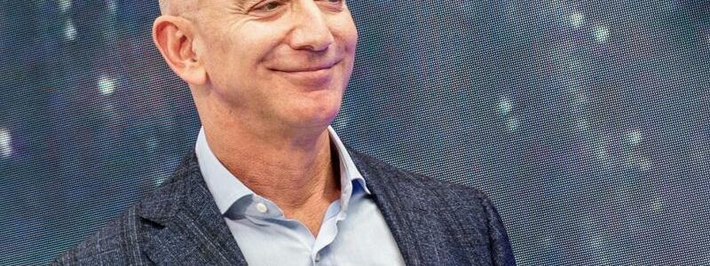 Amazon-Chef Bezos - Foto: Andrej Sokolow/dpa