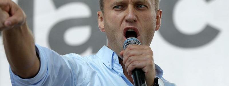 Oppositionsf?hrer Nawalny - Foto: Pavel Golovkin/AP/dpa
