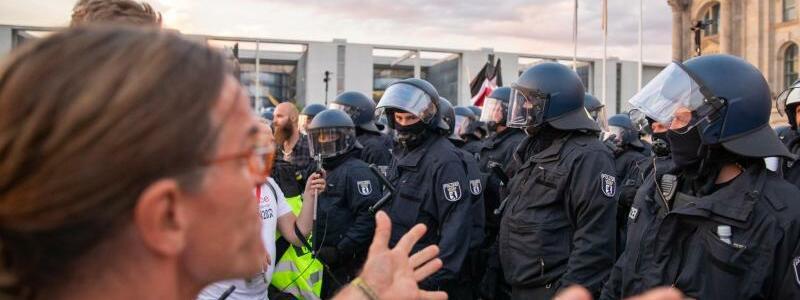 Protest gegen Corona-Politik - Foto: Christoph Soeder/dpa