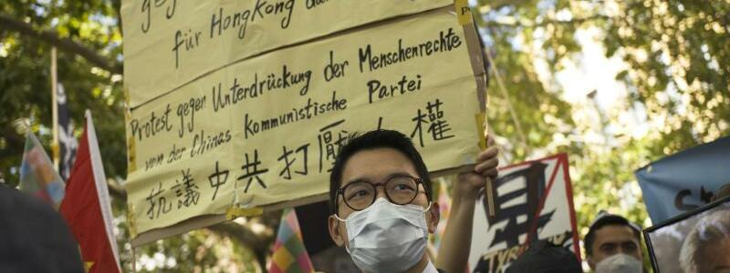 Protest in Berlin - Foto: Markus Schreiber/AP/dpa