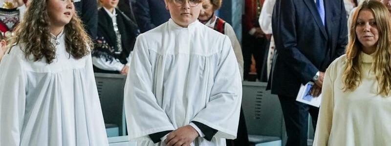 Norwegischer Prinz feiert Konfirmation - Foto: Lise Aserud/NTB scanpix/AP/dpa