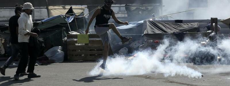 Unruhen auf Lesbos - Foto: John Liakos/InTime News/AP/dpa
