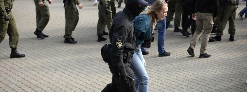 Festnahmen in Minsk - Foto: -/Tut.by via AP/dpa