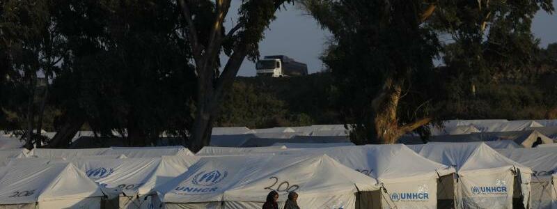 Lage auf Lesbos - Foto: Petros Giannakouris/AP/dpa