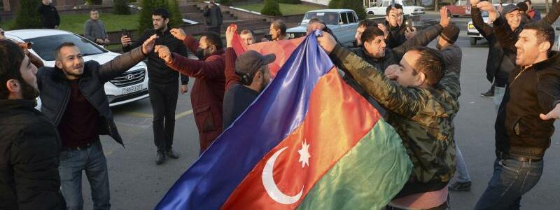 Freude in Aserbaidschan - Foto: Aydin Mammedov/AP/dpa