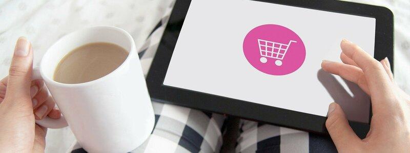 Online-Einkäufe werden oft über Zahlungsdienstleister abgewickelt – Abbuchungen sind schwer zuzuordnen.  - Foto: pixabay.com © justynafaliszek