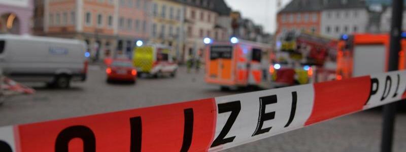 Auto erfasst?Fu?g?nger in Trier - Foto: Harald Tittel/dpa