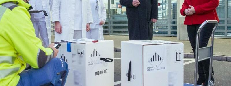Coronavirus - Erste Impfstoffdosen in Bayern - Foto: Daniel Karmann/dpa