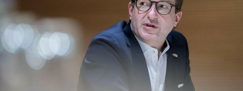 CSU-Landesgruppenchef Alexander Dobrindt - Foto: Christoph Soeder/dpa