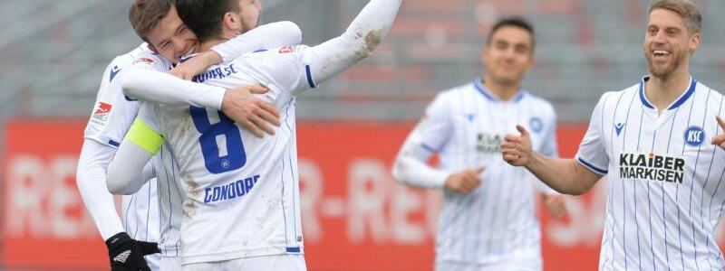 FC W?rzburger Kickers - Karlsruher SC - Foto: Timm Schamberger/dpa
