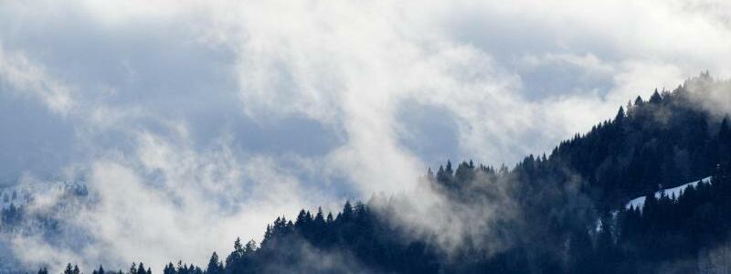 Wolkenspiel - Foto: Angelika Warmuth/dpa