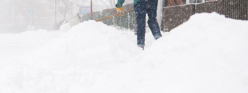 Schnee - Foto: Julian Stratenschulte/dpa