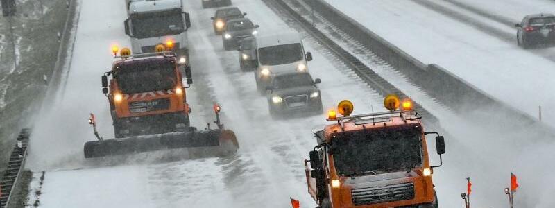Winterdienst - Foto: Patrick Pleul/dpa-Zentralbild/ZB