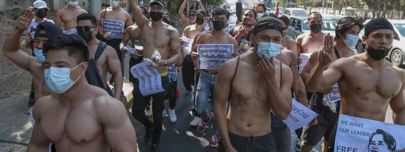 Nach dem Milit?rputsch in Myanmar - Foto: Uncredited/AP/dpa