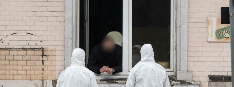 Einsatzkr?fte - Foto: Bernd Thissen/dpa
