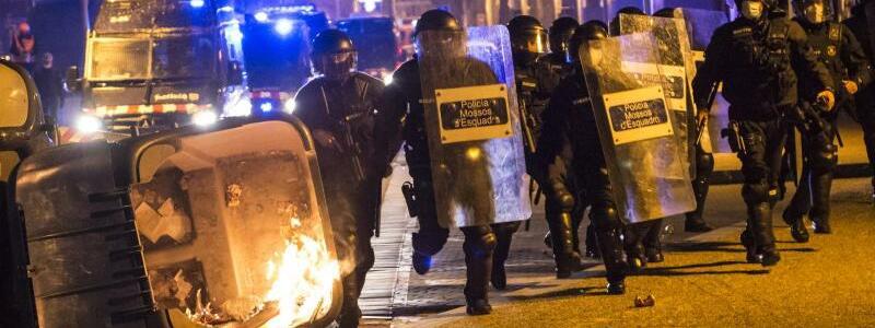 Polizei im Einsatz - Foto: Gl?ria S?nchez/EUROPA PRESS/dpa