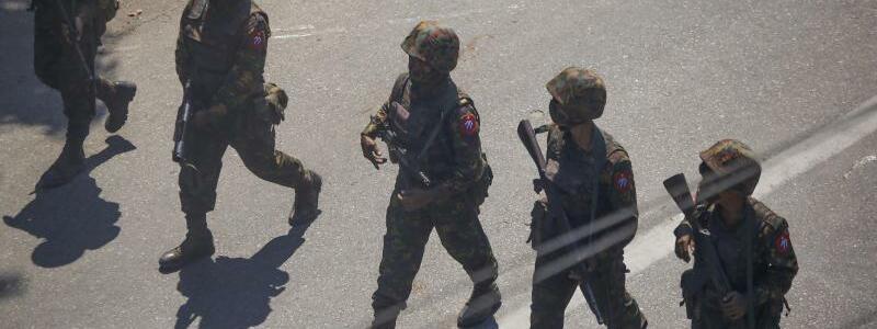 Soldaten - Foto: Str/AP/dpa