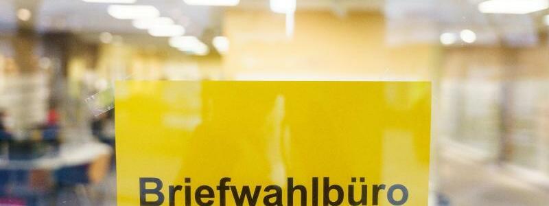 Briefwahlb?ro - Foto: Andreas Arnold/dpa