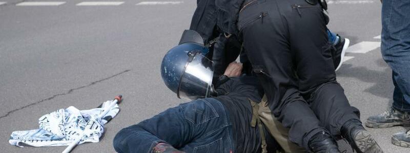 Demonstration von Rechtsextremisten und ?Reichsb?rgern? - Foto: Paul Zinken/dpa