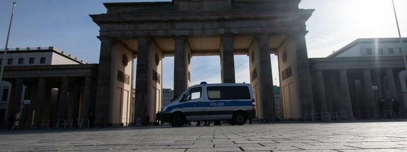 Demonstration von Rechtsextremen und Reichsb?rgern - Foto: Paul Zinken/dpa-Zentralbild/dpa