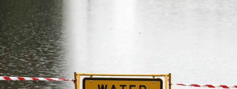 Hochwasser - Foto: Rick Rycroft/AP/dpa