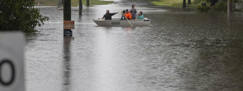 ?berschwemmungen - Foto: Mark Baker/AP/dpa